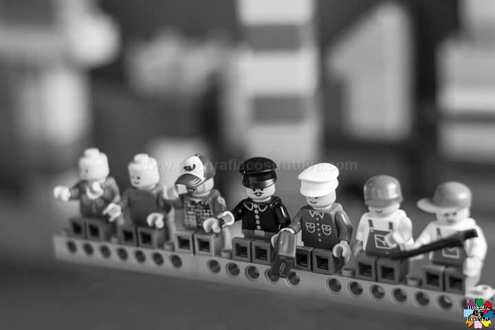 20-06-2019 Denis Brignone 55 Interpretando foto famose con i Lego..