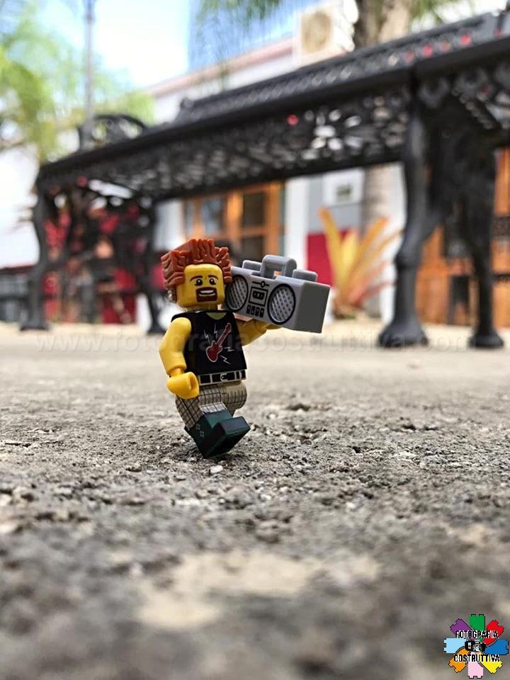 23-09-2019 Irving Echevarria 50 📻🎶yeahhh sunday #legofan#bricklego#legophotography