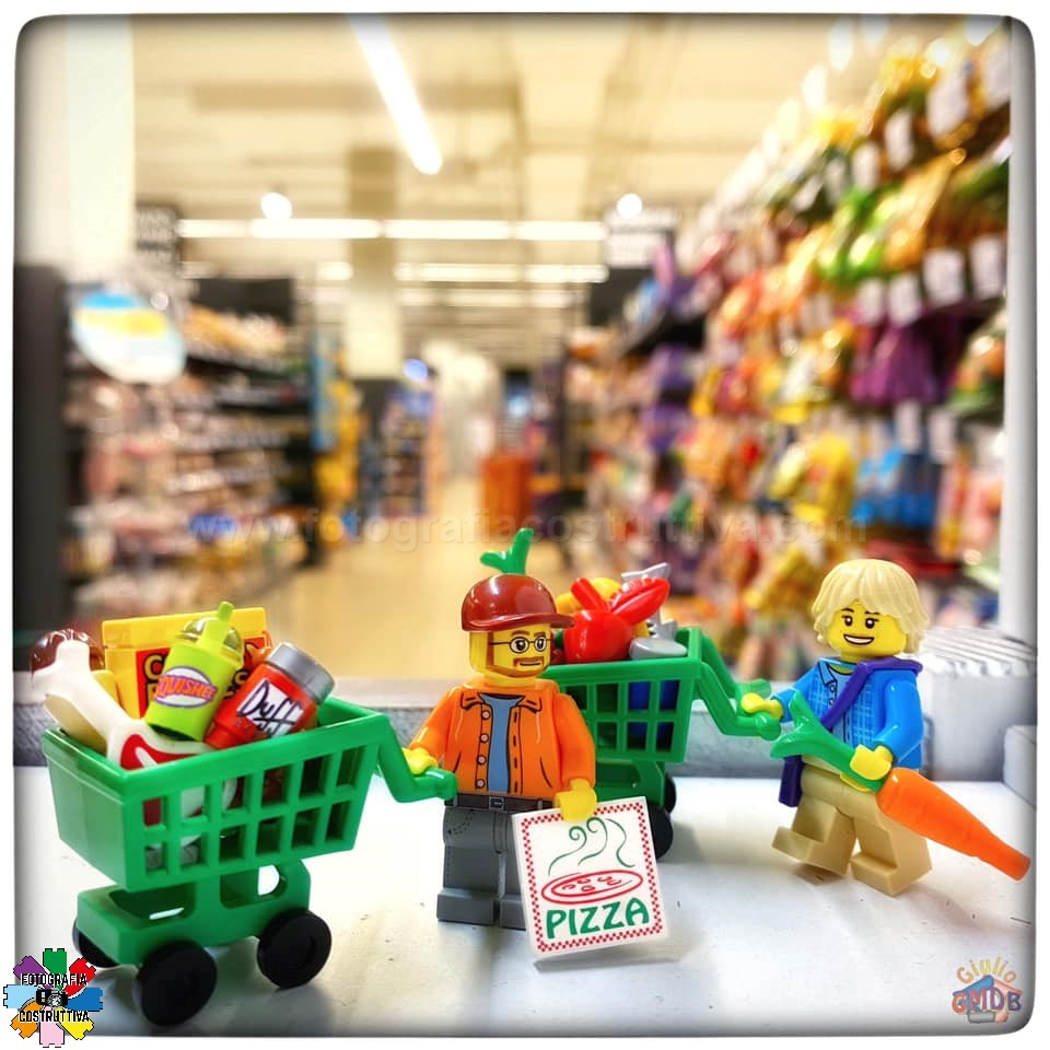 08-11-2019 Giulio De Bortoli 53 MiniG e MiniM questo pomeriggio a fare la spesa indovinate chi compra roba salutare e chi schifezze varie 😉😜