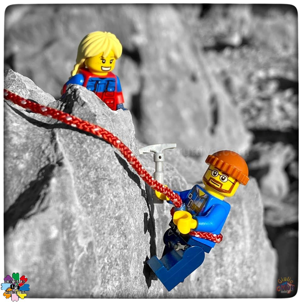 28-12-2019 Giulio De Bortoli 53 Oggi MiniG è andato ad arrampicare un po' in Valle con la figlia MiniAle 🧗♂️ — presso Val Rosandra.